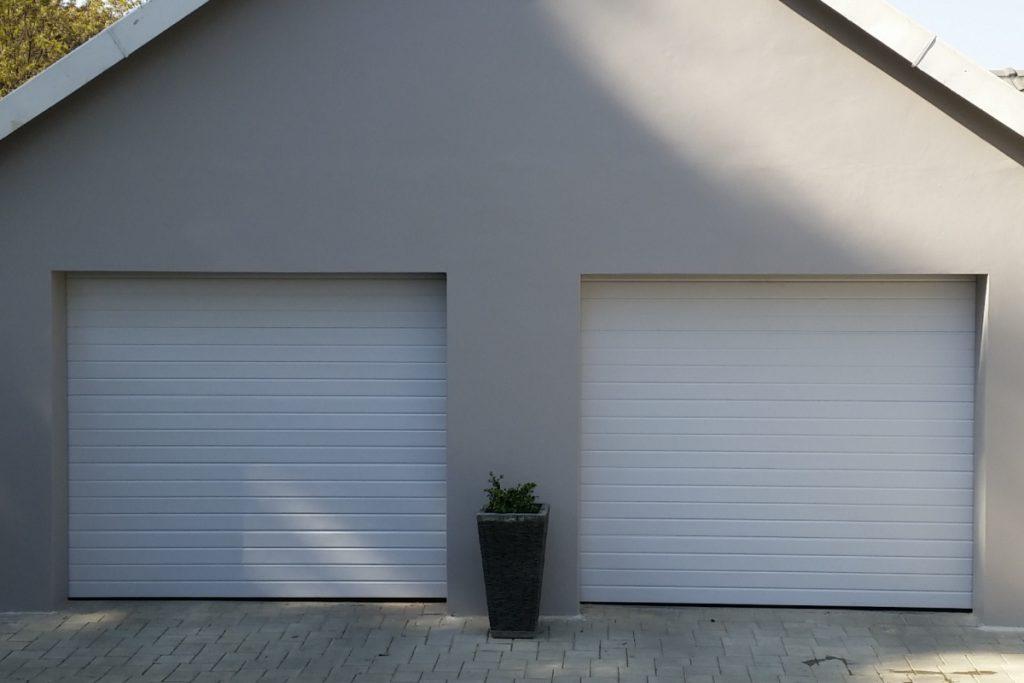 Single White Slatted Chromadek Door