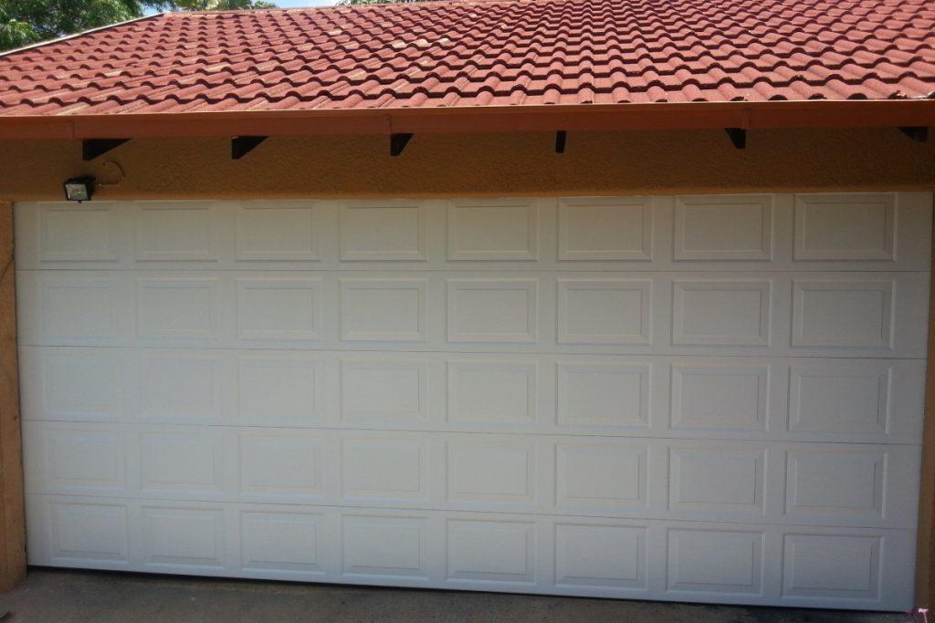 Double White 40 Panel Chromadek