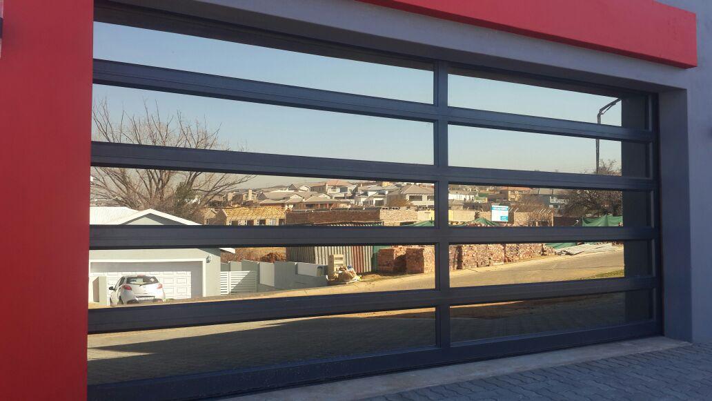 Double Glass Aluminium 10 Panel Door