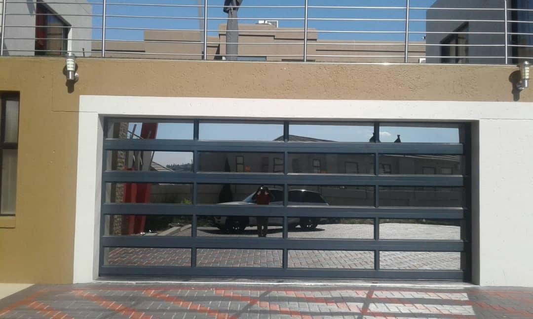 Double Glass Aluminium 20 Panel Door