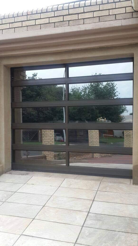 Single Glass Aluminium 10 Panel Door